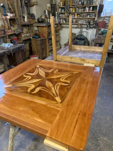 Tischplatte im hinteren Bereich